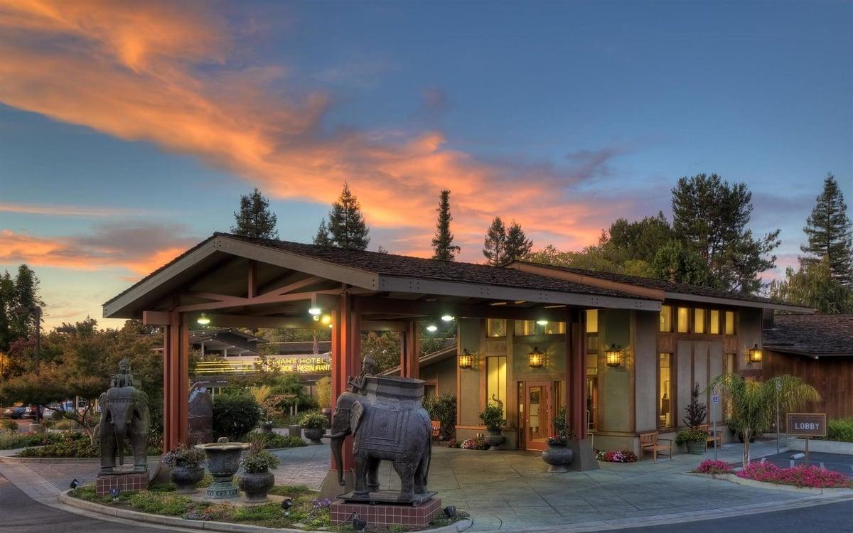 Dinah's Garden Hotel in Palo Alto
