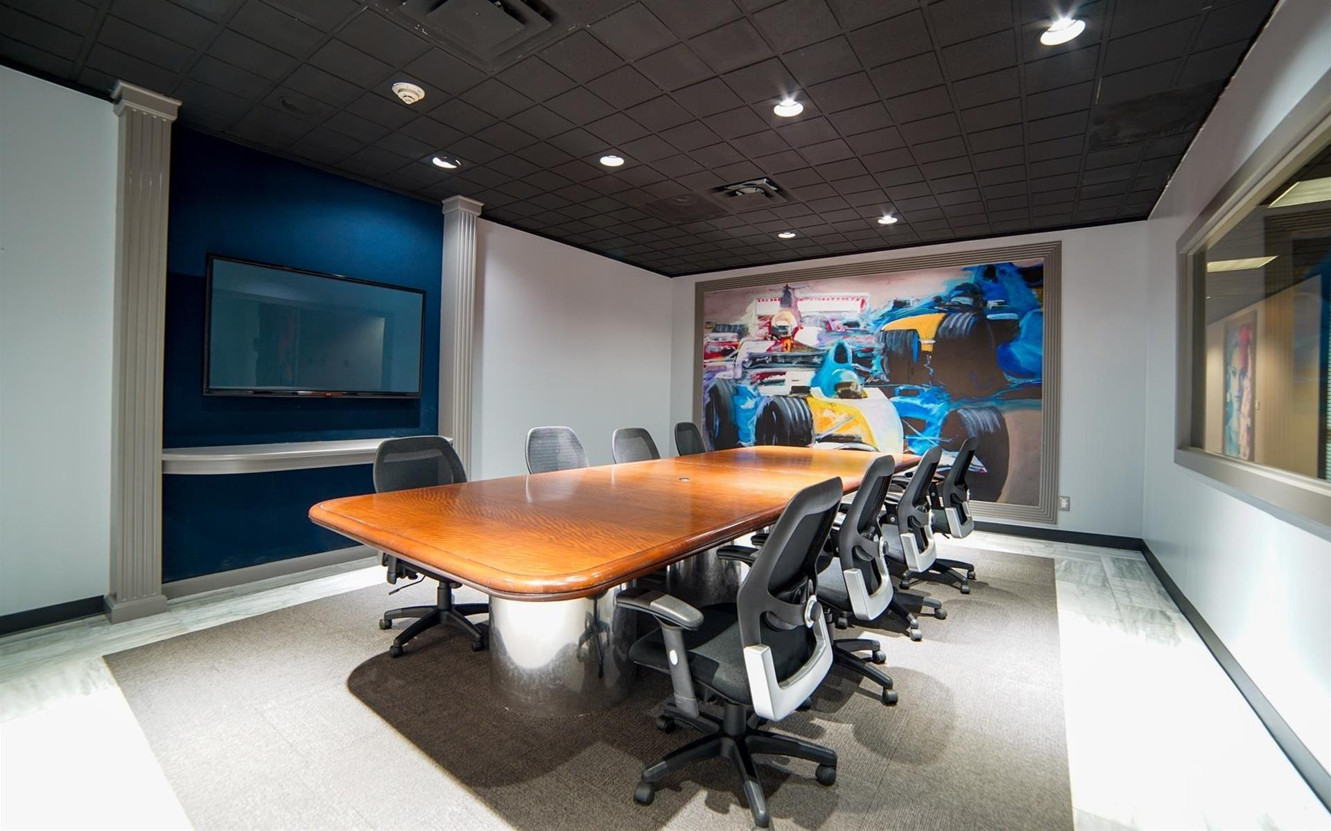 One of our favorite fast meeting rooms